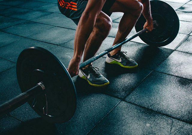Why Having a Personal Trainer is Better Than Just Going to the Gym